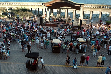 Saturday Night Free Concerts @ Kennedy Plaza