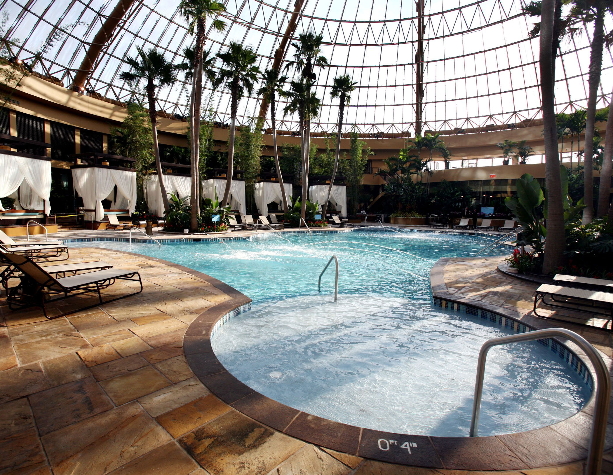 Harrahs Expansion The Pool Whats New In Atlantic City