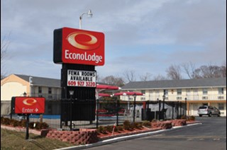 Econo lodge somers point explore accommodations in for Pool trade show atlantic city